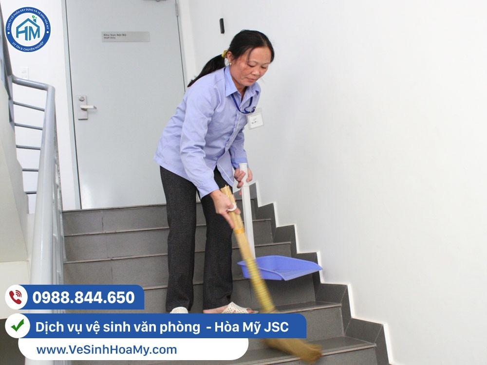 cung cấp tạp vụ vệ sinh