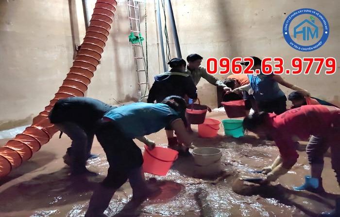 Thau rửa bể nước ngầm tòa nhà chung cư