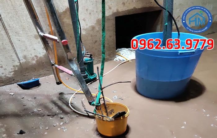 Vệ sinh bể nước ngầm tòa nhà chung cư