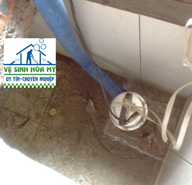 Dịch vụ thau rửa bể nước ngầm tại hà đông