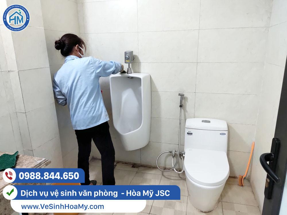 công ty cung cấp tạp vụ vệ sinh văn phòng