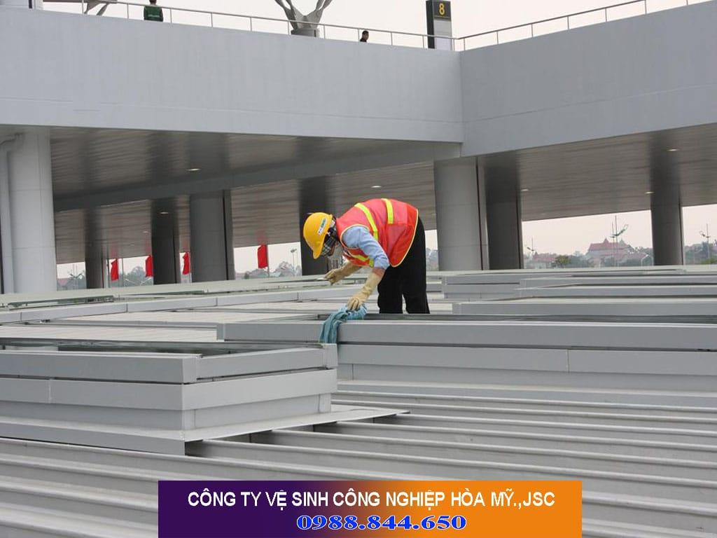 Dịch vụ Vệ sinh công nghiệp tại Hoàng Mai