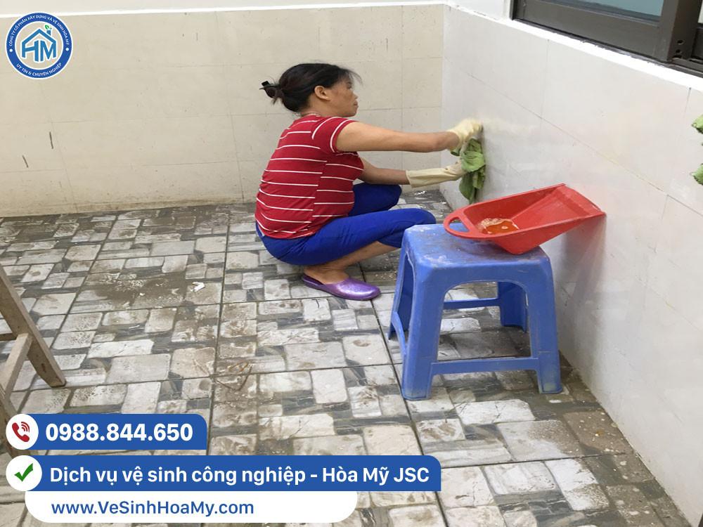 Vệ sinh nhà cửa sau xây dựng tại Long Biên
