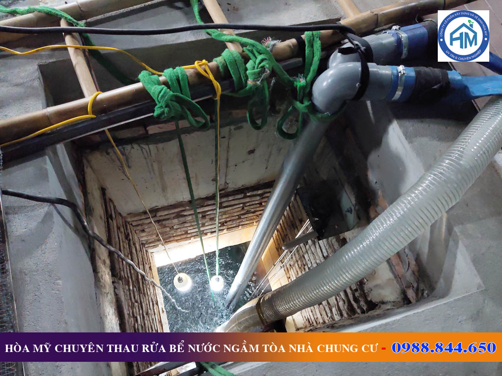 Thau rửa bể nước ngầm tòa nhà chung cư tại Gia Lâm