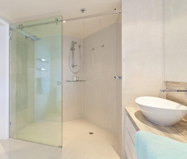 Phủ nano vách kính nhà tắm công nghệ Đức